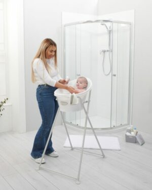 New-bath-stand-square-lifestyle-with-mum-and-baby-600x600
