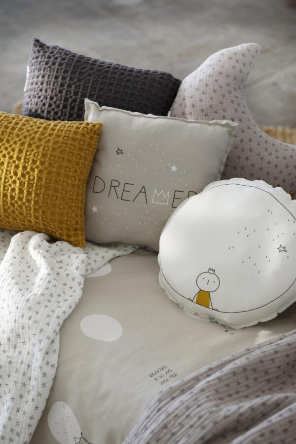 Dreamer-gris-detalle-4-cojines-vertical